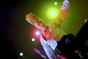 http:  taishimizu.com pictures D700 Big Apple Circus nikon d700 135mm f2 8 non ai bello clown and lights thumb.jpg