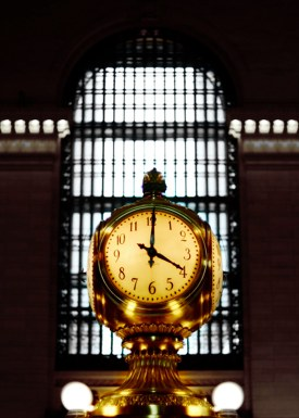 http:  taishimizu.com pictures Nikon D700 first impressions nikkor s c 50mm f1 4 non ai grand central clock thumb.jpg