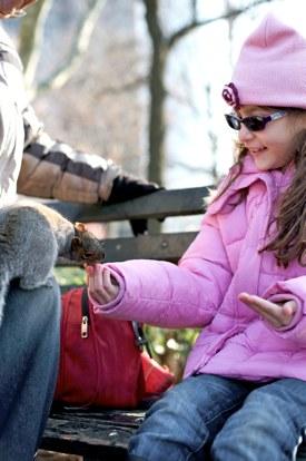 http:  taishimizu.com pictures Nikon nikkor 50mm f1 4 af d review feeding squirrels thumb.jpg
