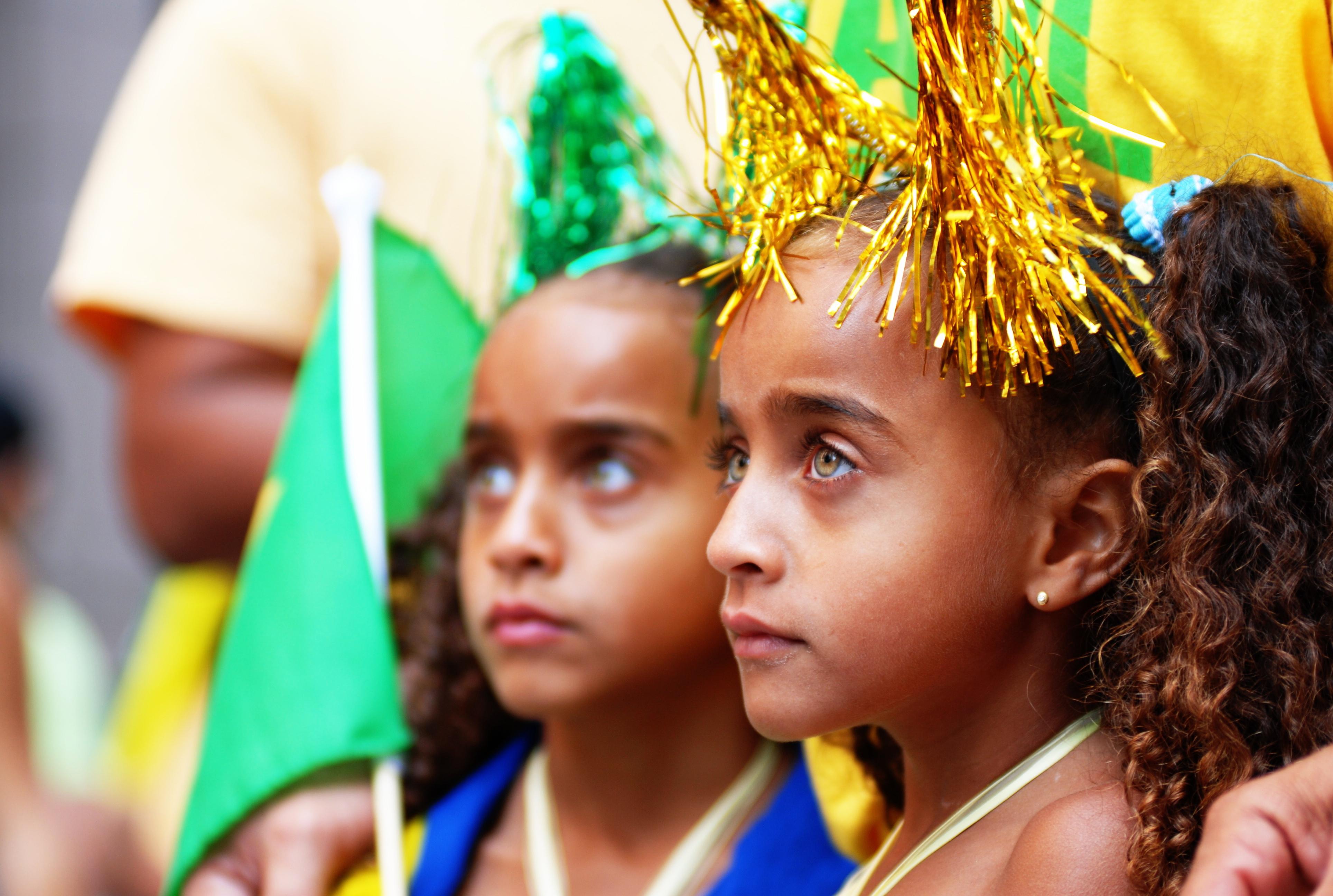 http: taishimizu.com pictures brazil day nikon 80 200 f 2 8 af d girls
