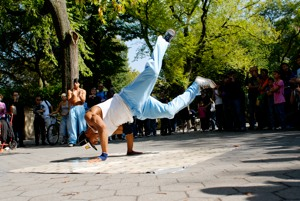http:  taishimizu.com pictures dancing in the park 24mm f2 ais break dancing central park 11 thumb.jpg