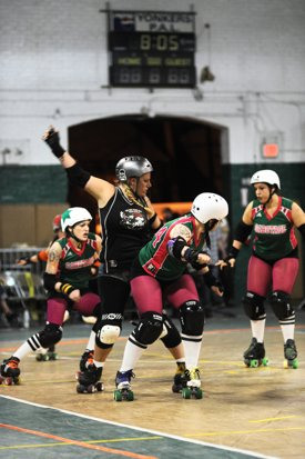 http:  taishimizu.com pictures roller derby roller derby 6 thumb.jpg