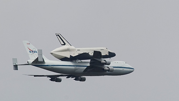 http:  taishimizu.com pictures space shuttle enterprise space shuttle enterprise_sm thumb.jpg